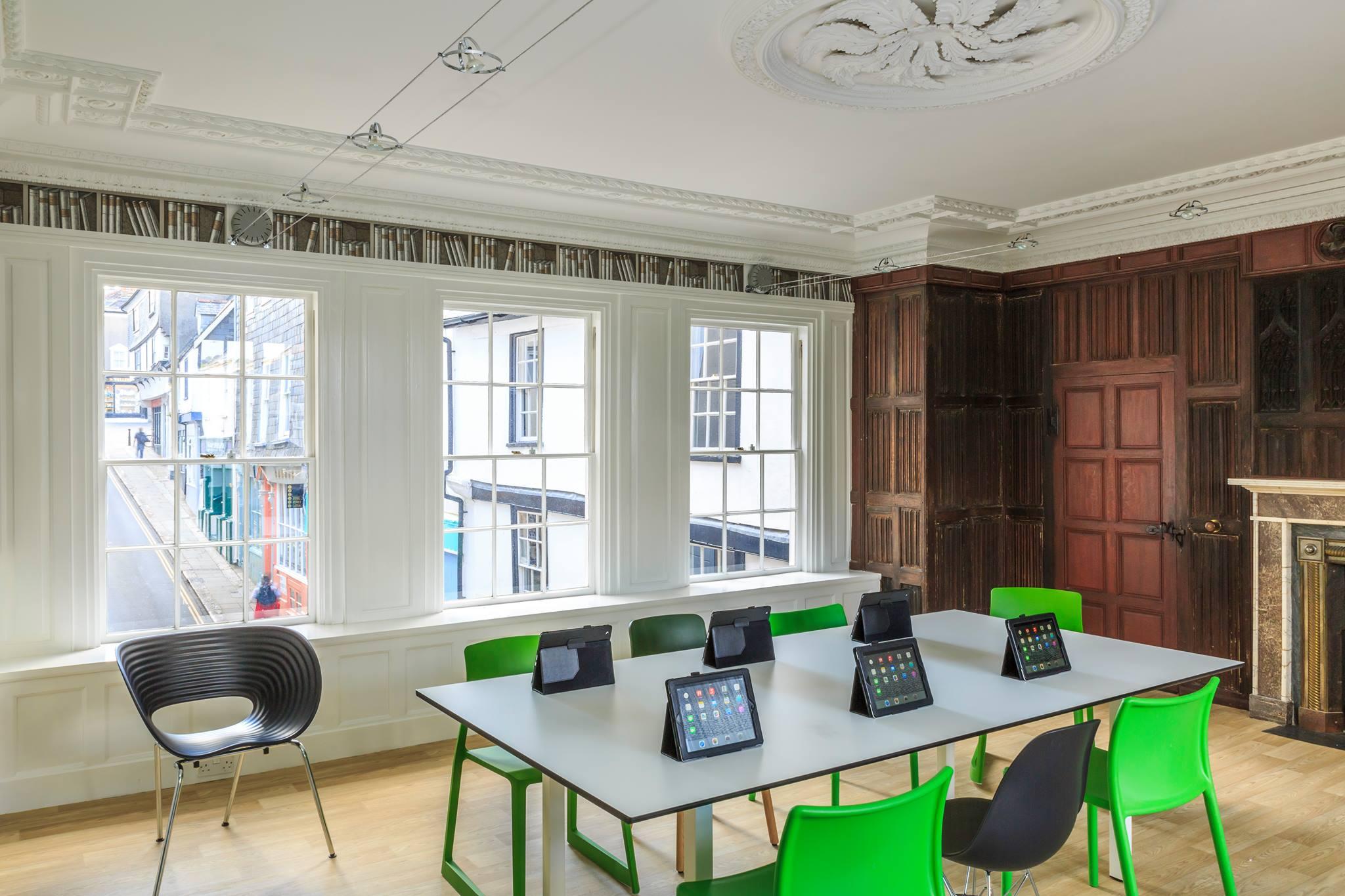 cours d 39 anglais lyon centre de formation en langues s jours linguistiques en angleterre. Black Bedroom Furniture Sets. Home Design Ideas